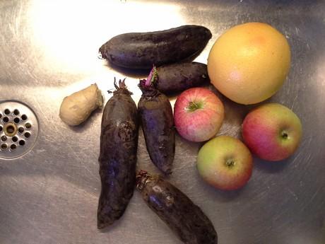 Rødbede, rød grape, æble, ingefær